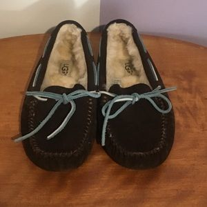UGG Dakota Womens 5/eu 36 Brown Moccasin Slippers